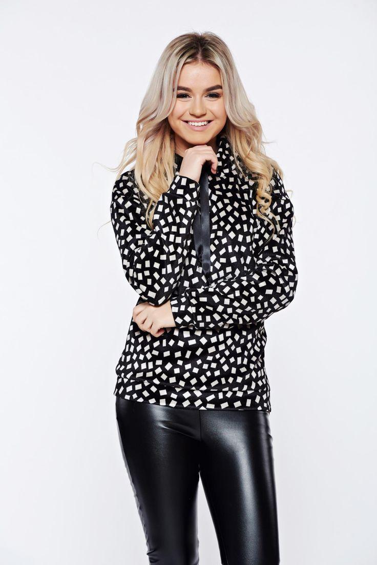 PrettyGirl black hoodie with print details from velvet, women hoodie, velvet, zipper accessory, print details