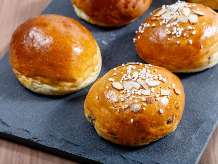 Teboller - Buttermilk Buns  These buttermilk bun is my take on the traditional…
