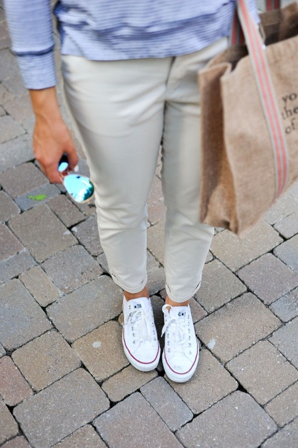 Gap outfit with Chuck Taylor Converse via @mystylevita #chucks #outfit
