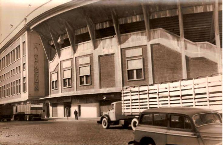 Av. Amancio Alcorta y Luna. Barrio de Parque de los Patricios. Década de 1960 (Estadio Tomás Adolfo Ducó - Club Atlético Huracán)