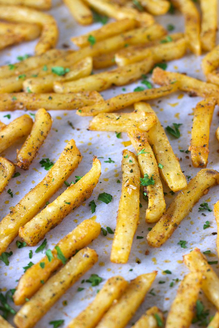 Zesty Ranch Fries | If you love spicy pretzels you're going to love this easy french fry recipe by sweetasacookie.com
