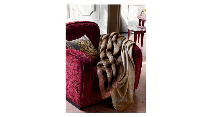 Etro Home Autumn/Winter 15/16 Collection. Available at Showroom MOOD. #mood #etrohome #etro #couder #fur #luxury