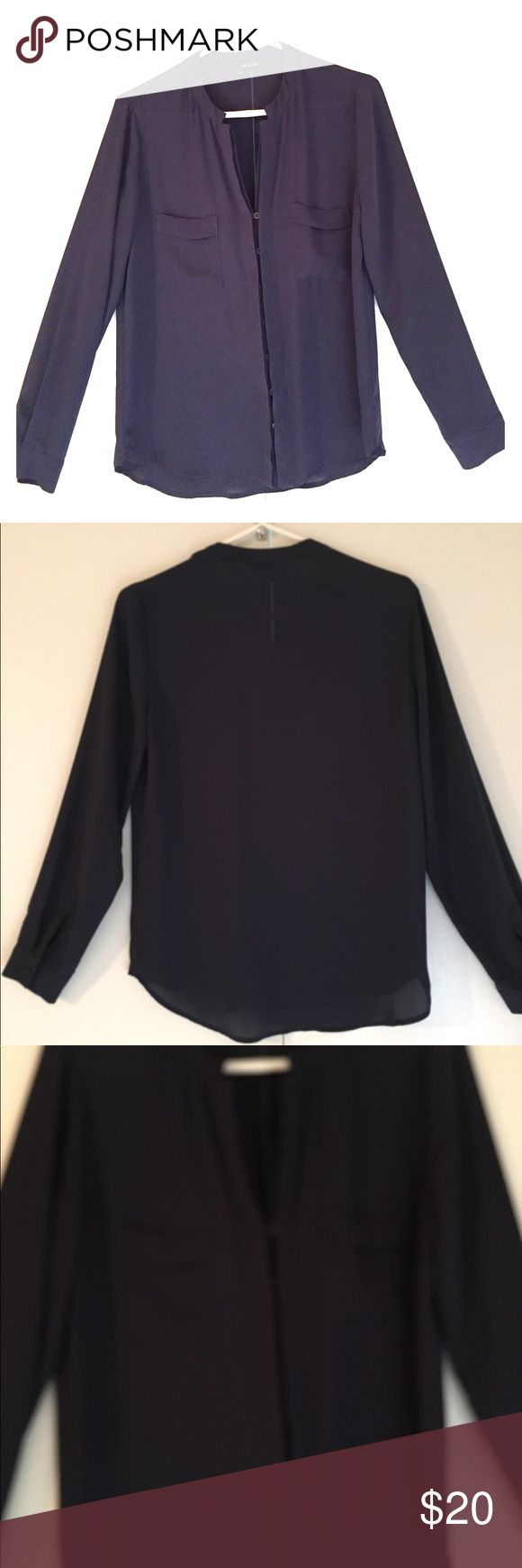 🌟Ro&De BLUE BLOUSE🌟 Ro & De Blue hidden button blouse. Size small. Adorable with slacks or jeans! Amazing condition! Purchased at Nordstrom Department Store! Ro & De Tops Blouses
