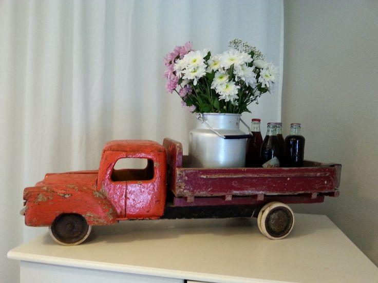 Pieni Suuri Ylellisyysgalleria - Sympaatiinen puuauto