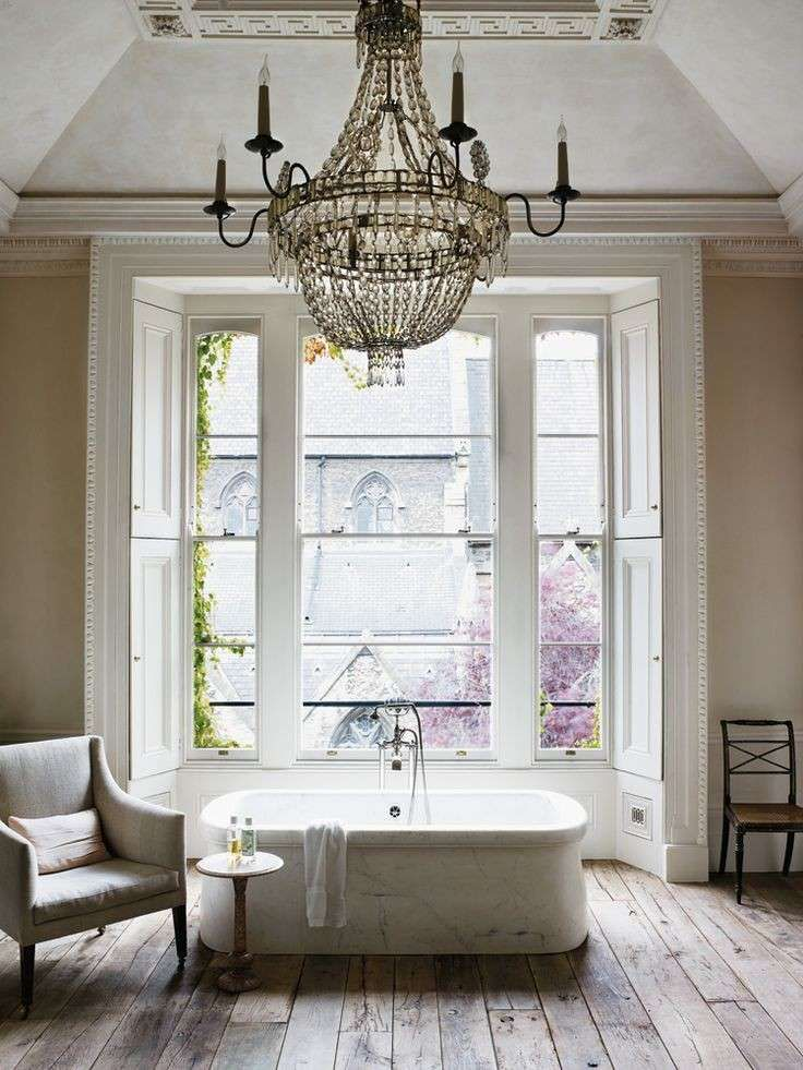 Oltre 25 fantastiche idee su lampadario da bagno su pinterest bagno principale camere da - Lampadario da bagno ...