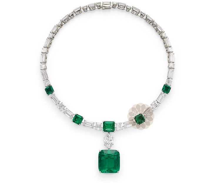 Vogue Crafts & Designs Pvt. Ltd. manufactures Emerald Stone Silver Necklace at wholesale prices.