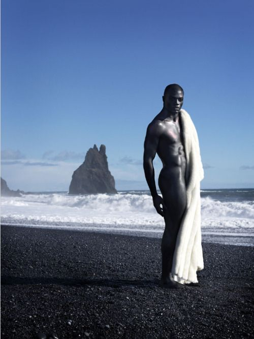 BB Kaye photo shoot in Iceland