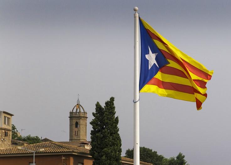 Estelada a Jafre / 'Estelada', the flag of Catalan independence, in Jafre (23/07/12) foto de @ricardvaque