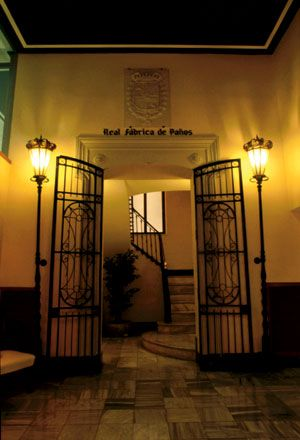 Es la sede de la agrupación empresarial Textil Alcoyana, construida entre 1787 y 1790, este edificio de estilo neoclásico fue reformado en 1890. #Alcoy #Alcoi #patrimonioindustrial