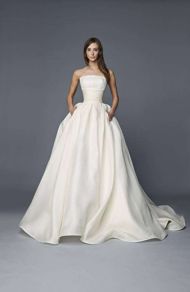 Antonio Riva sposa 2017 - Vestito da sposa con tasche So simple but such beautiful lines. With a dress like this, you can really do anything in terms of styling. You can dress it up or down. You can give it a Big Church Wedding, Beach, Garden, or Vintage feel. So many options available depending on your choice of accessories... fascinator/hat/tiara/crown/veil,sleeves/wristlets/gloves, blingy belt/waist cincher, choker/neck corset/pendant/ shoulder necklace/back necklace. The sky's the limit