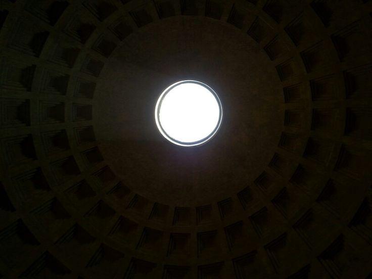 Pantheon's oculus.