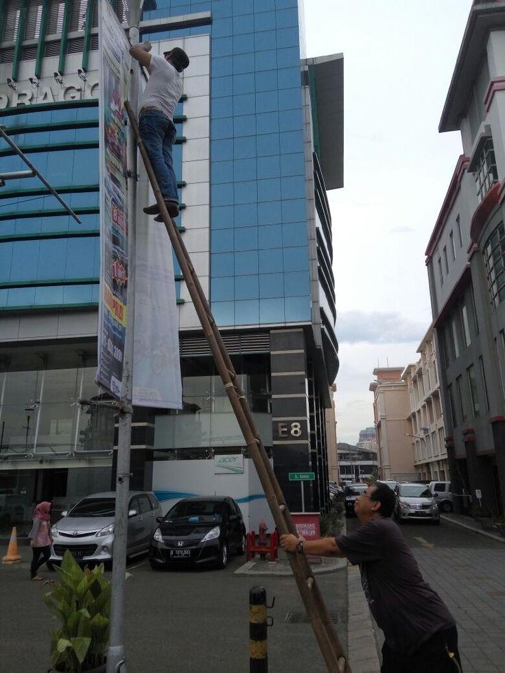 Penertiban Reklame di Mangga Dua Square