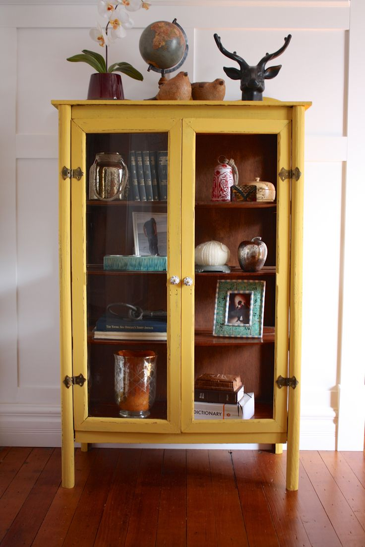 Bright, Bold, and Beautiful #DIY #mustard #yellow #cabinet #storage #furniturepaint #paintedfurniture - blog.countrychicpaint.com
