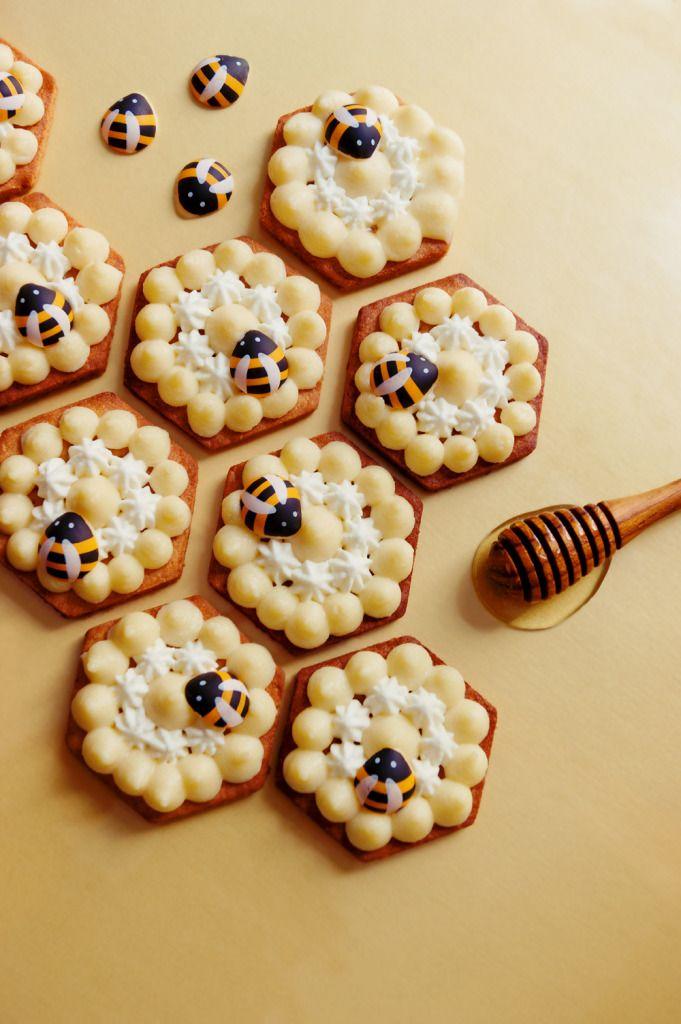 Tartelettes sablées (sans gluten) au pollen de fleurs, crémeux miel d'oranger, chantilly miel & mimosa