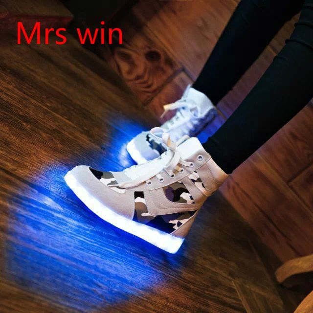New personalized luminous fluorescent shoes lady shoes Korean tidal Colorful girl LED lighting wholesale shoes, casual shoes men