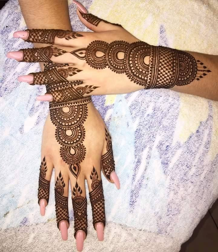 Take a look at some of the Trendy Bridal mehendi designs that you can apply on your hands for your Big Day…!                  Please visit our website www.ezwed.in to get Wedding Ideas or Send your queries via mail to support@ezwed.in. Kindly share our blog  and feel free to leave …