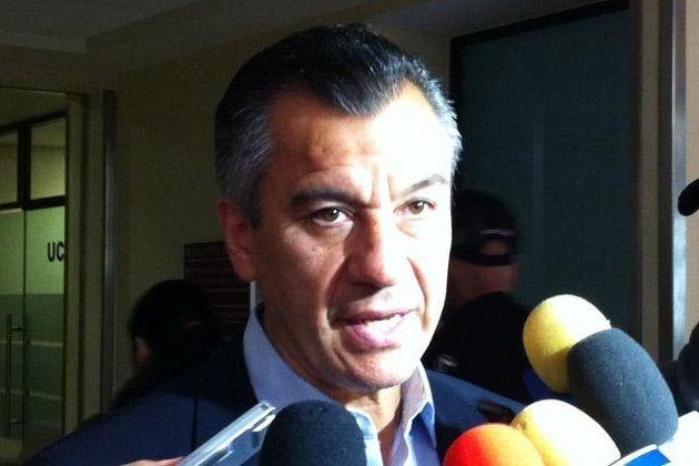 RAFAEL MÁRQUEZ LUGO VOLVERÁ A SER OPERADO EN TRES SEMANAS    Este 19 de agosto el delantero fue sometido a una biopsia en la rodilla izquierda. La biopsia será enviada a Monterrey, a su regreso, Rafael Márquez Lugo regresará al quirófano.