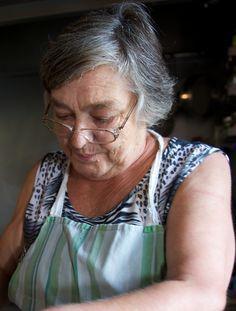 Tα μαγειρευτά μυστικά της κυρίας Ελένης | ΓΕΥΣΗ | ΓΕΥΣΗ | Θέματα | LiFO