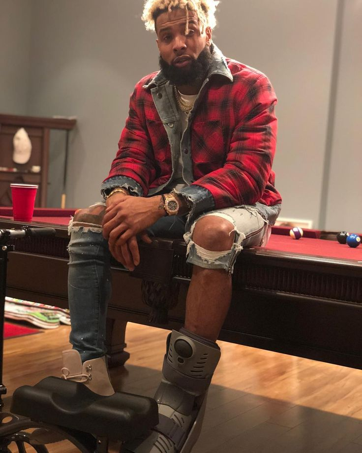 "153.8k Likes, 1,184 Comments - Odell Beckham Jr (@obj) on Instagram: """"25 sittin on 25.."""""