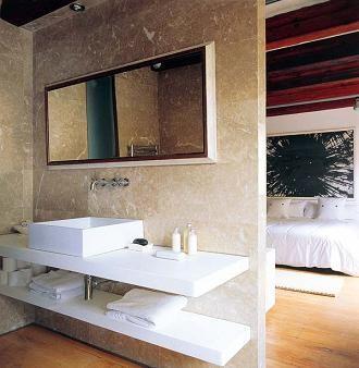 Soluzioni per il bagno aperto in camera da letto http://www.repiuweb.com/index.php/new-blog/71-bagno-aperto-in-camera-da-letto