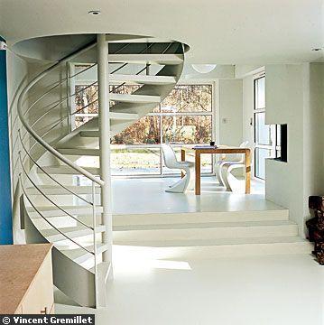 Point d 39 ancrage entre la partie existante et l 39 aile est for Escalier entre cuisine et salon