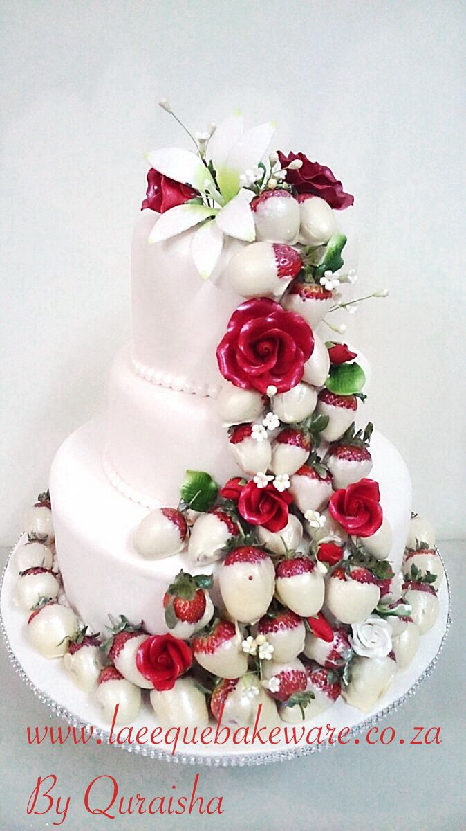 Strawberries fresh on wedding cake