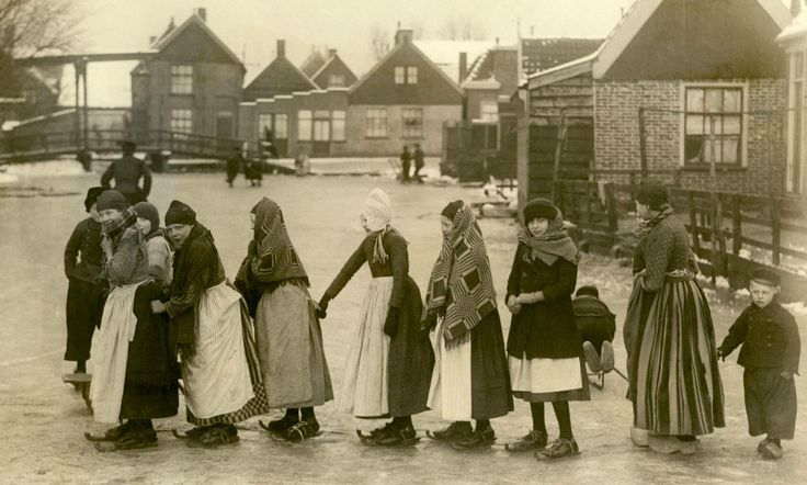 Ice skating - The Netherlands 1919