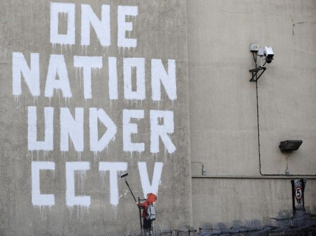 Society Seen Through The Prism of Banksy Art_6