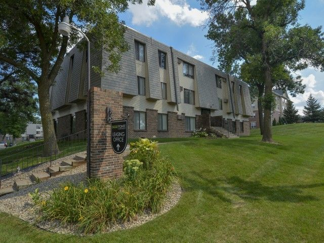 See all available apartments for rent at Eagle Pointe in West Saint Paul, MN. Eagle Pointe has rental units ranging from 555-1331 sq ft starting at $994.