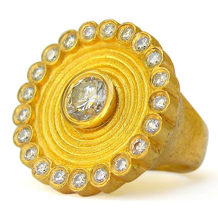 22k gold ring with diamonds by Osnat Weingarten