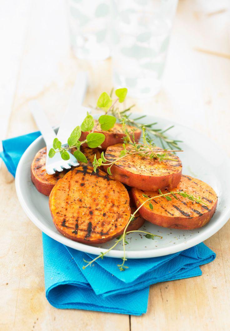 Süßkartoffeln vom Grill | http://eatsmarter.de/rezepte/suesskartoffeln-vom-grill