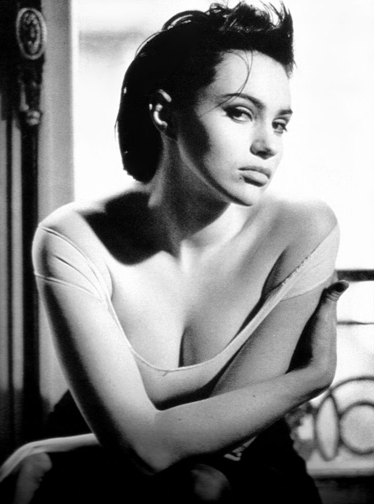 135 best images about beatrice dalle on pinterest arrow for Beatrice dalle inside