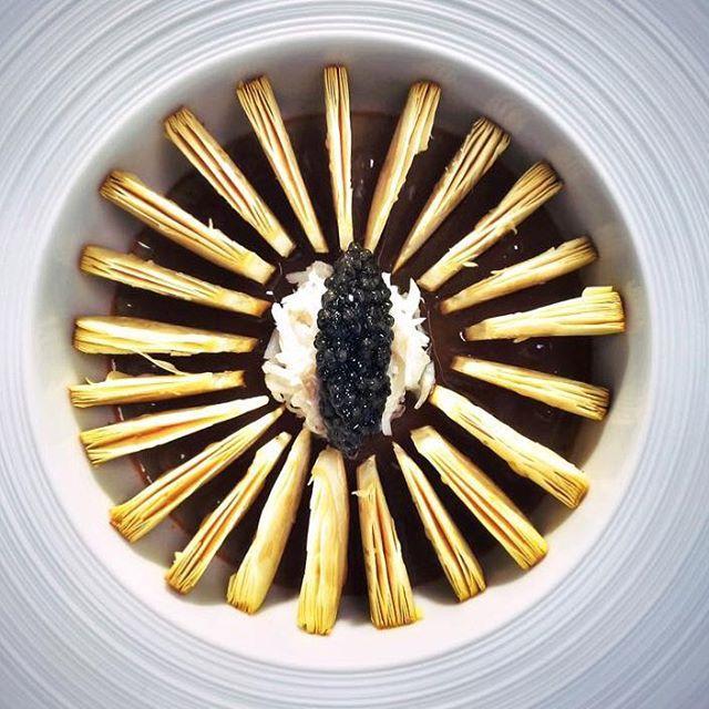 Chefpoirotbkk, Mille feuillets d'Amanite des Césars, gelée fine d'araignée de mer et Caviar. #food #foodies #cook #cooking #truecooks #theartofplating #chef #chefs #cheflife #lhw #lhwtraveler #maroc #marrakech #palace