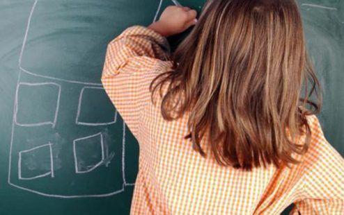 Elke klas heeft een of meerdere kinderen met uitdagingen. Moeilijke kinderen. Onhandelbaar worden ze ook wel eens genoemd. Er wordt gepraat, er wordt gespecul...