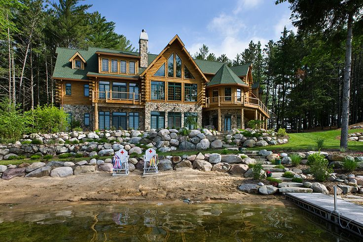 Cozy on a grand scale a lodge style log retreat in for Log cabin retreat