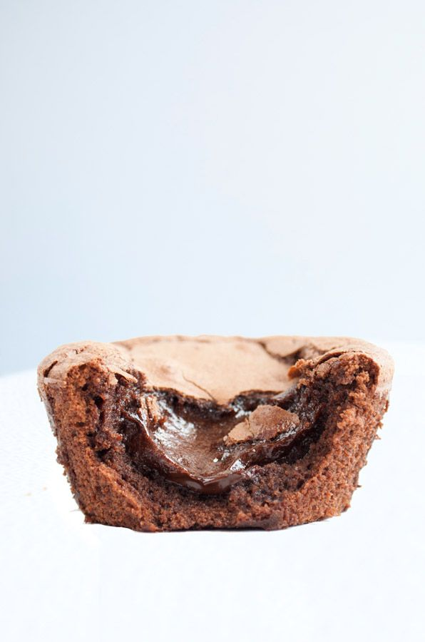 Coeur coulant au chocolat sans gluten et sans lait, rapide et simple à préparer ! Vous ne serrez pas déçu !