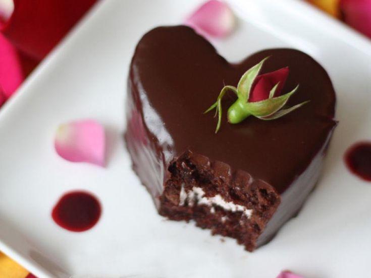 Gâteaux au chocolat et aux framboises en forme de coeur: Recettes: Recette Cuisson Chaîne | Zoë …   – cakes