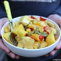 Poulet au curry, ananas et lait de coco