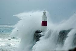 Waves & lighthouse
