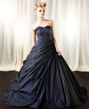 大人婚にも人気!洗練された上品さ。ネイビーのカラードレス♪ウェディングドレス・花嫁衣装の参考一覧まとめ♪