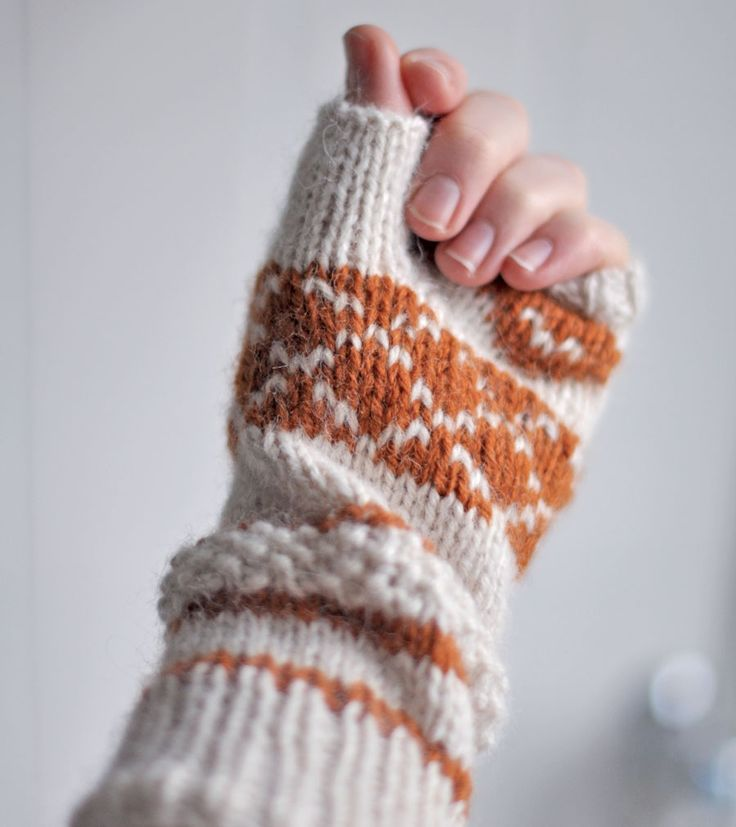 Les mitaines Cœurs – Julypouce tricote