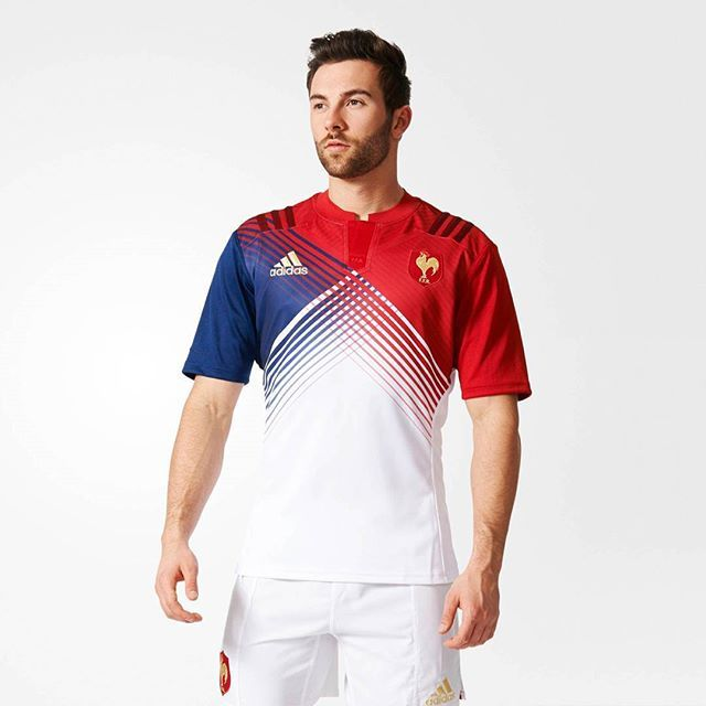 Abychom to měli komplet, tohle je světlá varianta francouzských dresů / To have things complete, lets take a look at white France kit.  #ragby #sport #dres #design #cesky #czech #blog #francie #france #rugby #sixnations #rbs6nations #kit #jersey