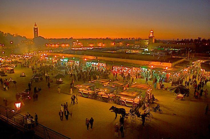 Πλησίστιος...: Νυχτερινό παζάρι στο Μαρακές