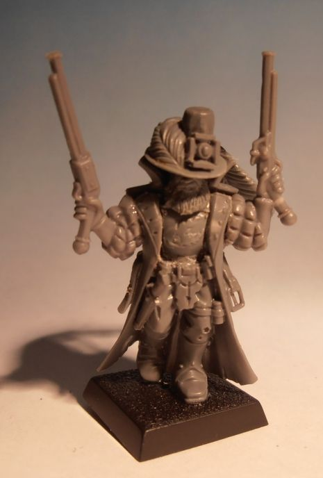 - 40k starter kit chaos cultist champion body - Empire Greatswords champion hat (with an added cylinder) - 40k bits cross, probably Dark Angels bits (honestly I don't know where is it from or how it's called) - Empire knightly orders hairy head - Empire Greatswords torso - Empire pistolier arms - High elf spearmen dagger