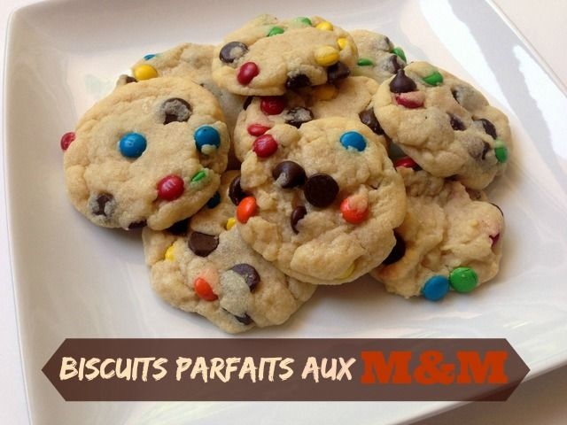 Une recette pour faire des biscuits parfaits aux M&M.. un petit ingrédient surprise :-)