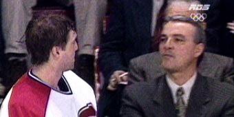 Le 2 décembre 1995, une journée sombre pour le club Les Canadiens de Montréal et ses supporteurs. L'inexpérimenté entraîneur-en-chef Mario Tremblay provoque le départ de Patrick Roy, un des plus grands gardiens de but de l'histoire de la Ligue Nationale de Hockey. Patrick Roy n'aura joué que 22 matchs sous les ordres de Mario Tremblay.