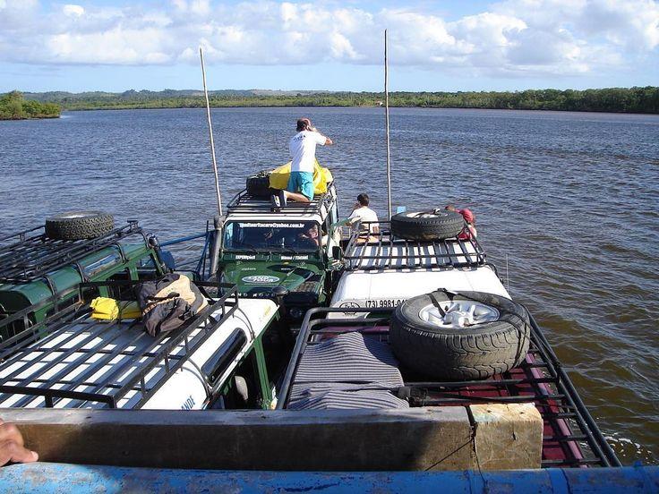 Dia de recordar. Primeira viagem para a Bahia. 2005. Itacaré Bahia. Indo pra Barra Grande. Jeep na balsa. #viagem #turismo #férias #fotododia #minhavida #vlog #mylife #youtubechannel #trip #photooftheday #fun #travelling #tourism #tourist #travel #myworld #tbt #barragrande #bahia #mar #sea #ocean #travessia #jeep