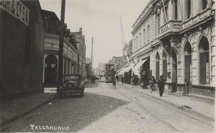 Calle Colón esquina Covadonga (finales de los años 30).