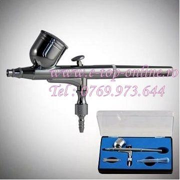 Pilstolul airbrush te poate ajuta la pictura unghiilor, retusuri tablouri si fotografii sau pentru nail art.Deasemenea poate fi folosit pentru decorarea masinilor in atelierele de tuning auto. http://www.e-top-online.ro/reduceri/eshop/19-1-Manichiura-Pedichiura/0/5/424-Pistol-Aerograf-Airbrush-Pentru-Decor-Unghii-False#.U5SAeRwZPTo