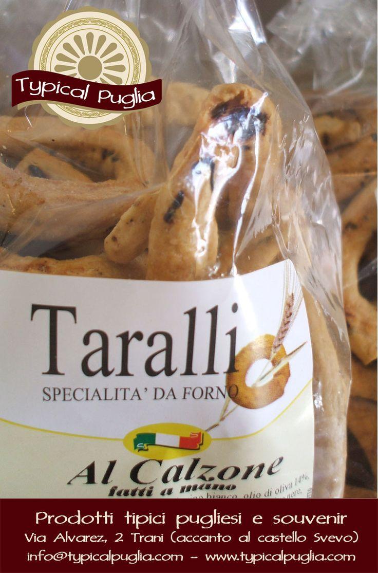 Taralli artigianali fatti a mano con olio extra vergine di oliva  TYPICAL PUGLIA Prodotti Tipici pugliesi e souvenir Via Alvarez, 2 (accanto al Castello Svevo) - 76125 Trani (BT) - Italy E-commerce Website: www.typicalpuglia.com E-mail: info@typicalpuglia.com